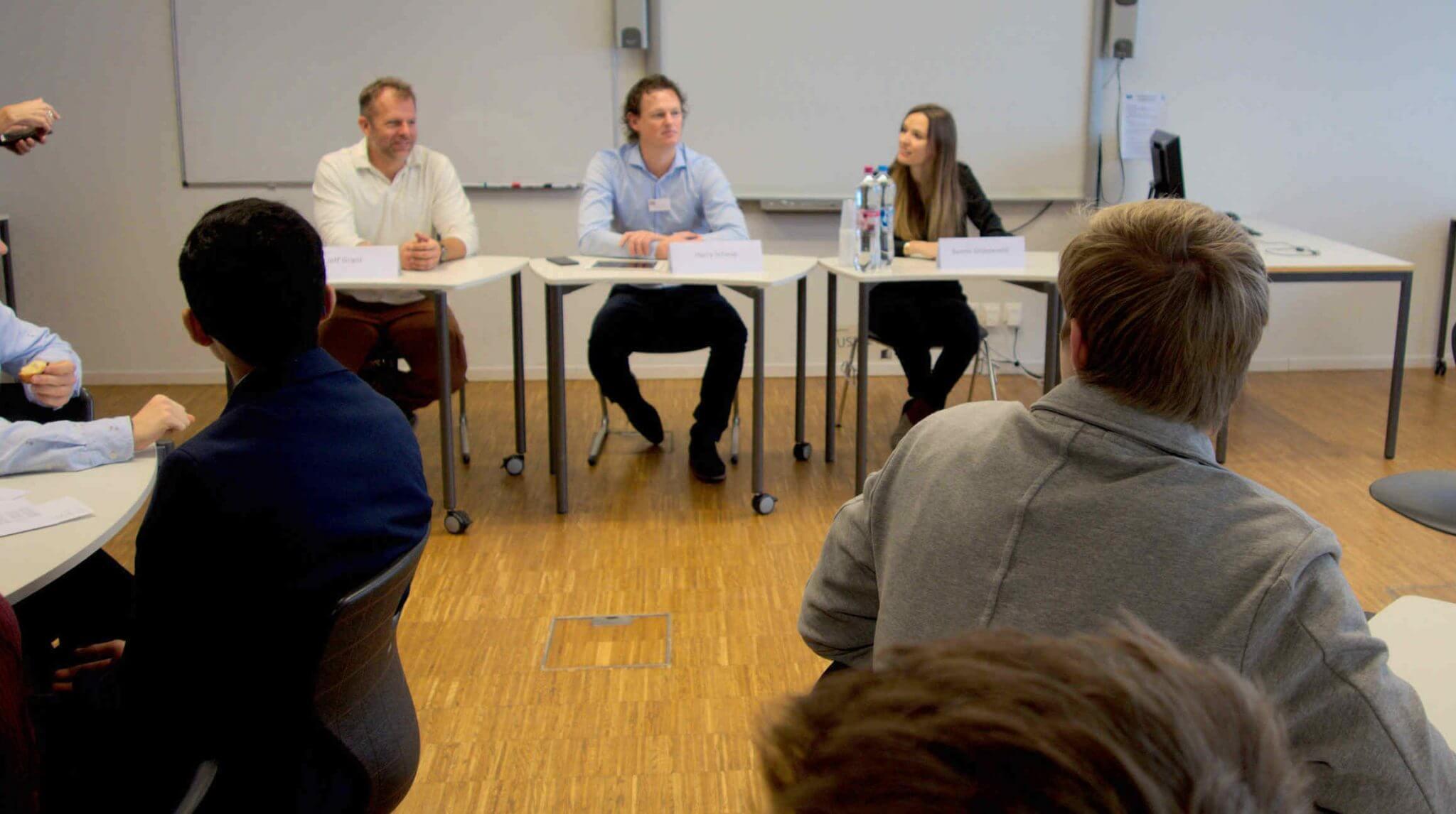 Inspiring 10th Graders to Pursue an Entrepreneurial Career